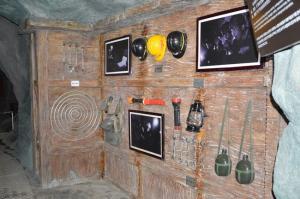 采矿工具展
